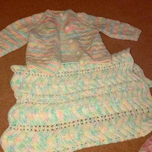 Other - REDUCED 🔴HAND KNITTED SWEATER AND BLANKET